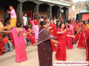 Women at Pushpatinath